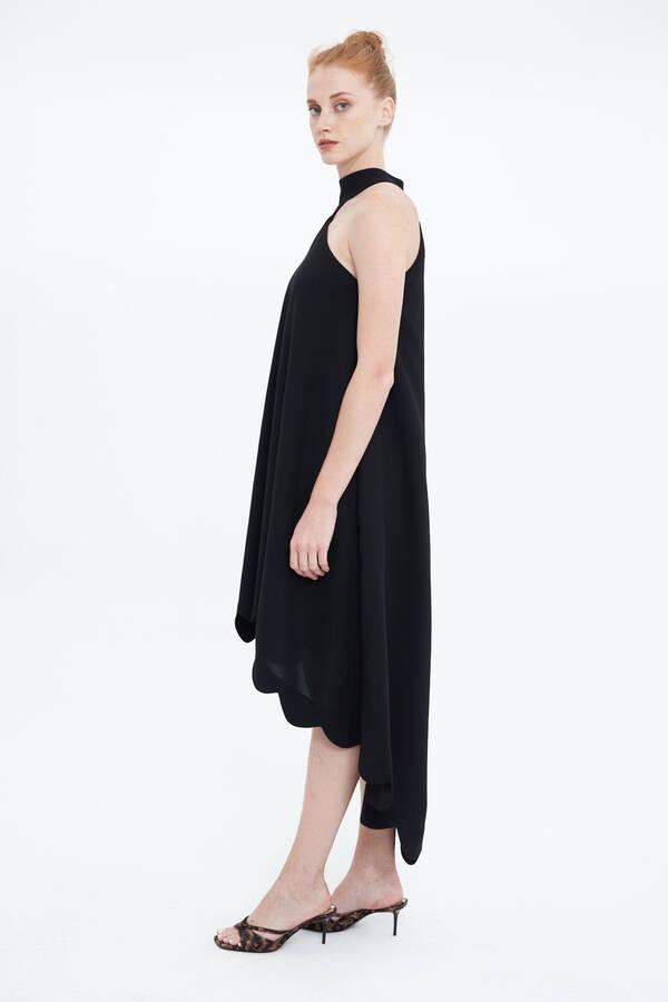 Boyundan Bağlamalı Krep Elbise