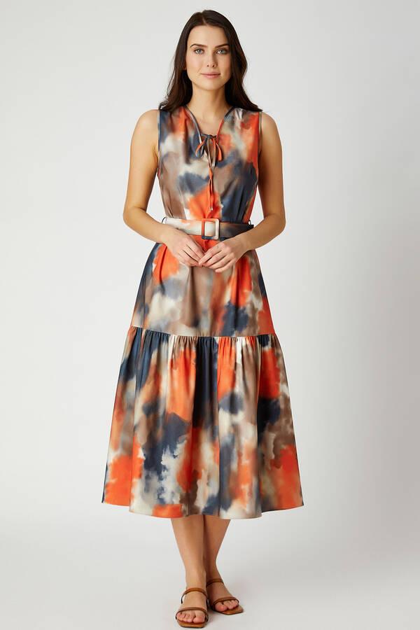 Batik desenli midi boy elbise