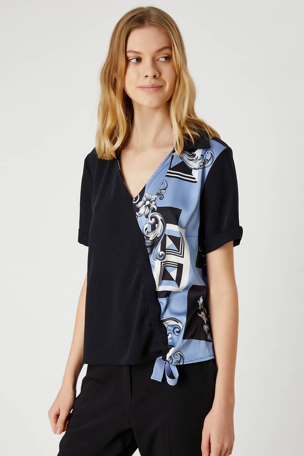 V Yaka Önü Büzgülü Çift Renkli Bluz
