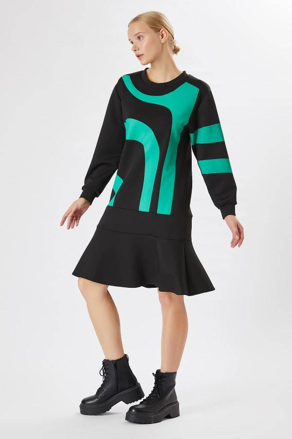Grafik baskılı örme elbise