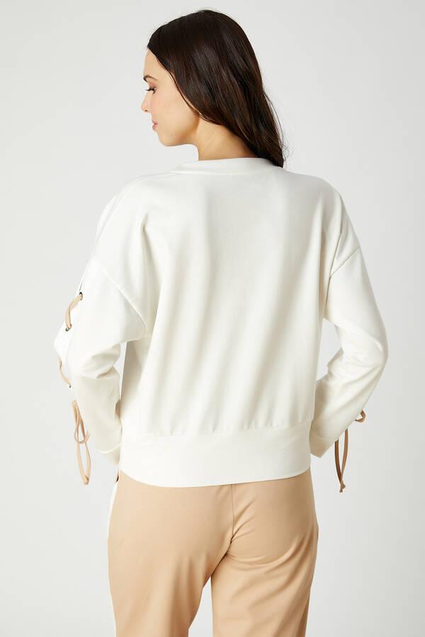 Kuşgözü Detaylı Sweatshirt