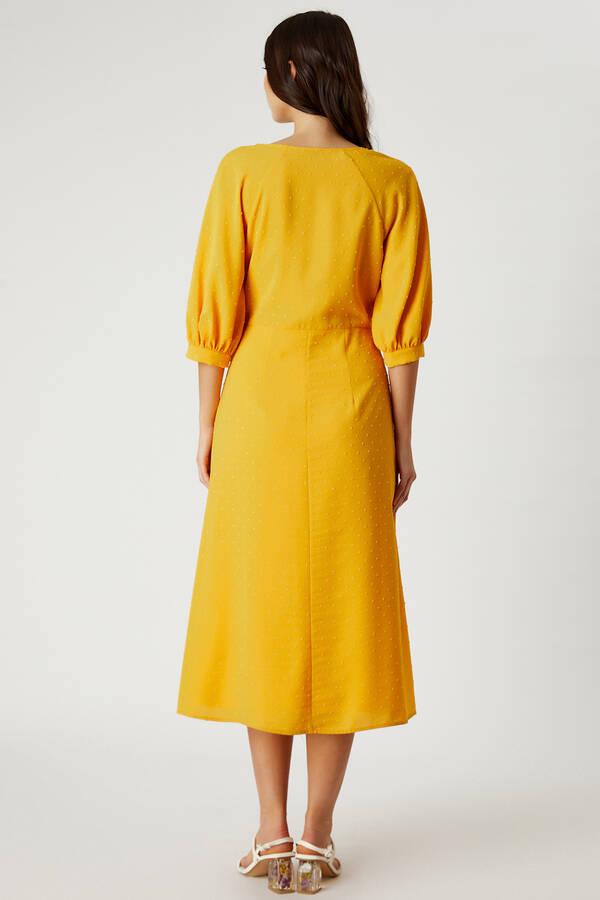 Önü Bağcıklı Truvakar Kol Elbise