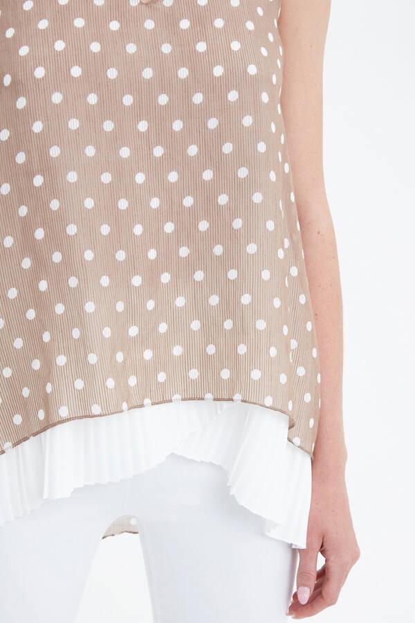 Pilise Detaylı Bluz